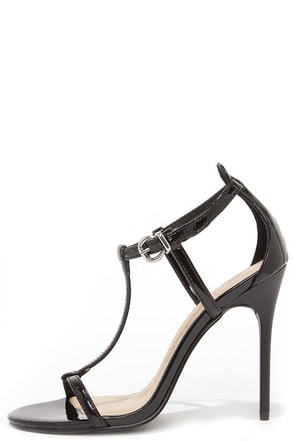 Chinese Laundry Leo Black Patent T Strap Dress Sandals at Lulus.com!