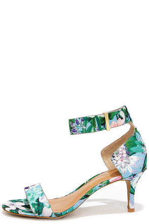 Report Signature Zailey Blue Floral Print Kitten Heels at Lulus.com!