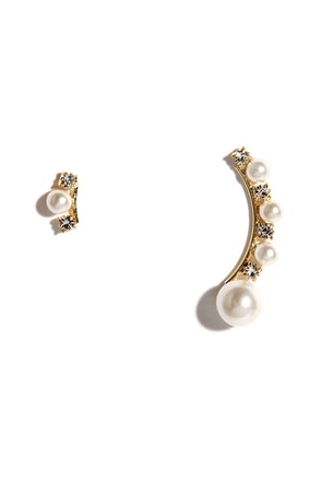 You're the One Gold and Pearl Ear Cuff at Lulus.com!