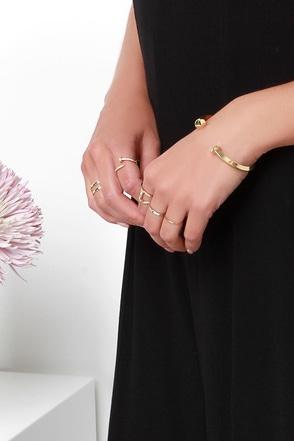 Social Stud-ies Gold Bracelet at Lulus.com!