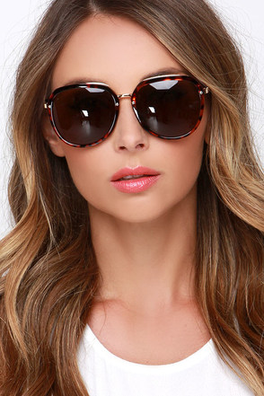 Baxter Tortoise Sunglasses at Lulus.com!