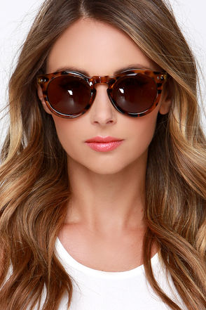Vision of Love Brown Tortoise Sunglasses at Lulus.com!