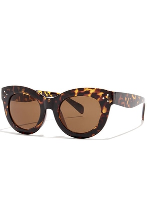 Eye on the Prize Brown Tortoise Sunglasses at Lulus.com!