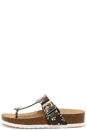 Park It Black Floral Print Platform Thong Sandals at Lulus.com!