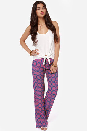 Lucy Love Fluid Red and Blue Print Pants