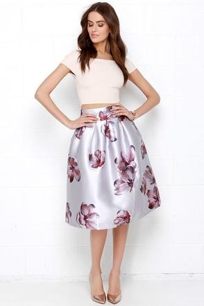 Terrace Perch Silver Floral Print Midi Skirt at Lulus.com!