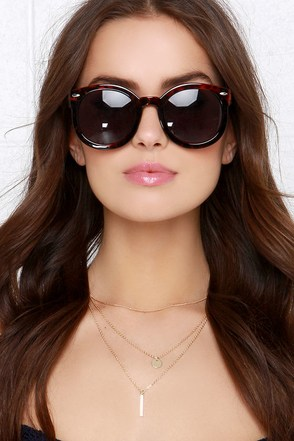 Shade Lounger Red Tortoise Sunglasses at Lulus.com!
