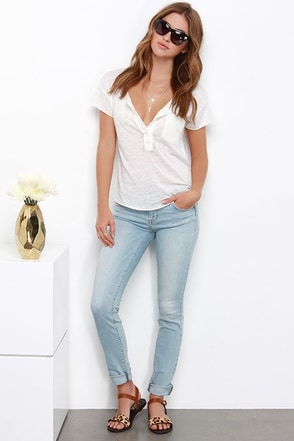 Ultimately Unstoppable Light Wash Distressed Skinny Jeans at Lulus.com!