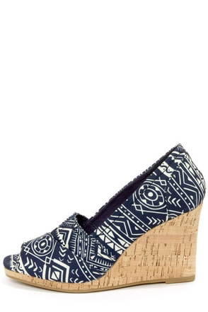 Bamboo Leah 01 Blue Print Peep Toe Wedges