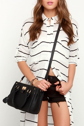 Love Lock Black Handbag at Lulus.com!