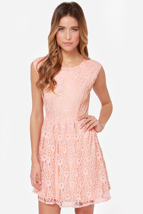Southern Bellini Peach Lace Dress at Lulus.com!
