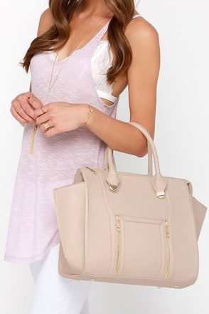 Wing-Woman Beige Handbag at Lulus.com!