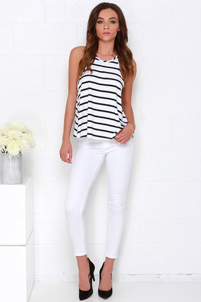Killer Queen White Ankle Skinny Jeans at Lulus.com!