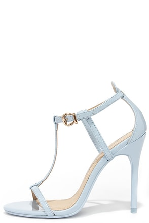 Chinese Laundry Leo Cashmere Blue Patent T Strap Dress Sandals at Lulus.com!