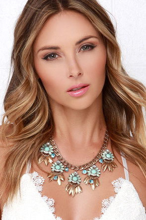 Lotus Pond Mint Rhinestone Necklace at Lulus.com!