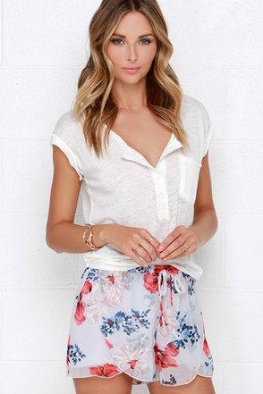 Jack by BB Dakota Ives Light Grey Floral Print Shorts at Lulus.com!