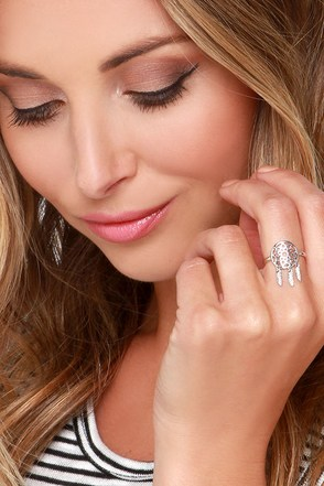 Sound A-Chic Silver Dream Catcher Ring at Lulus.com!