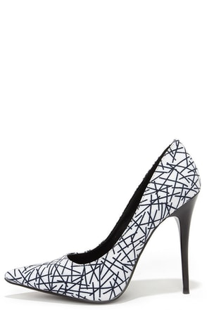 Tic-Tac-Toes Black and White Print Pumps at Lulus.com!