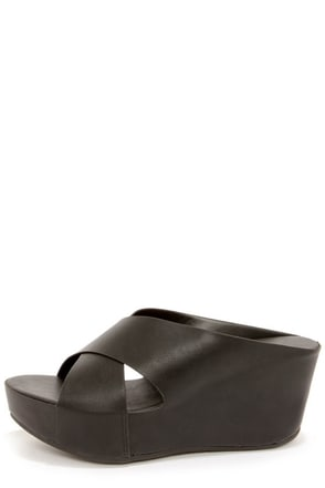 Bamboo Willa 01 Black Platform Sandals