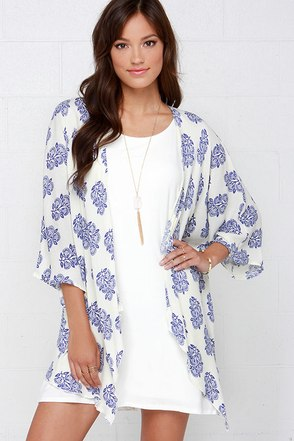 O'Neill Joni Blue and Ivory Print Kimono Top at Lulus.com!