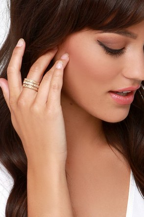 Delighted Gold and Rhinestone Ring Set at Lulus.com!