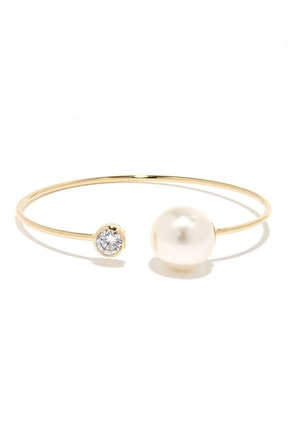 Out on a Glimmer Gold and Pearl Bracelet at Lulus.com!