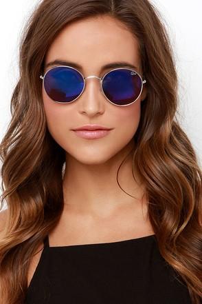 Quay Mod Star Silver Mirrored Sunglasses at Lulus.com!