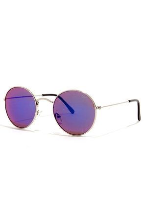 Quay Mod Star Silver Mirrored Sunglasses at Lulus.com!
