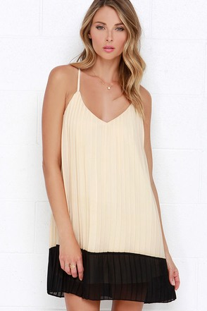 So to Speakeasy Beige and Black Dress at Lulus.com!
