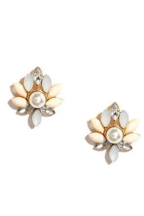 A Little Lush Rhinestone and Pearl Earrings at Lulus.com!