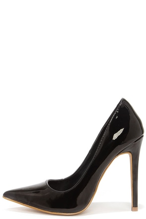 Aisle Be Waiting Black Patent Pointed Pumps at Lulus.com!