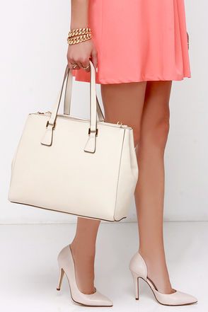 She's the Boss Beige Handbag at Lulus.com!