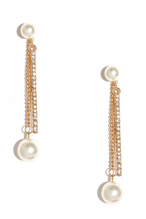 Pretty on Top Gold and Pearl Peekaboo Earrings at Lulus.com!