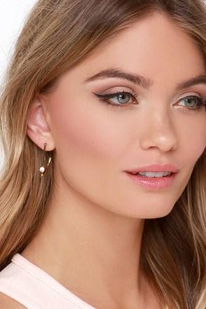 Half Moon Swoon Gold Rhinestone Earrings at Lulus.com!