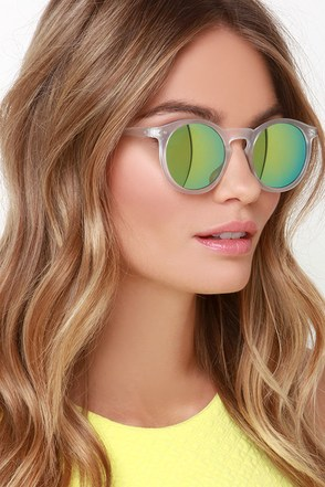 Party Hopper Clear Mirrored Sunglasses at Lulus.com!