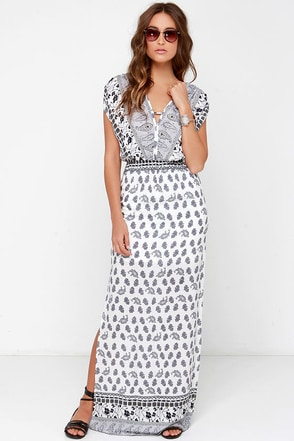 Wild Riviera Ivory Paisley Print Maxi Dress at Lulus.com!