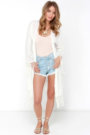Mink Pink Believer of Mermaids Ivory Lace Kimono Top at Lulus.com!