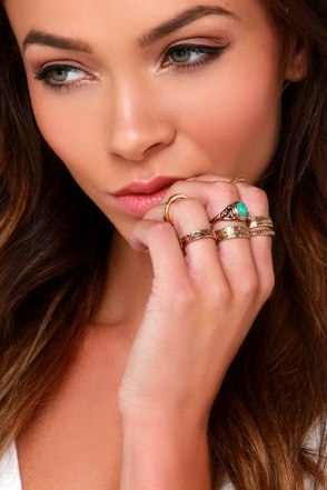 Go Your Own Way Silver and Turquoise Ring Set at Lulus.com!