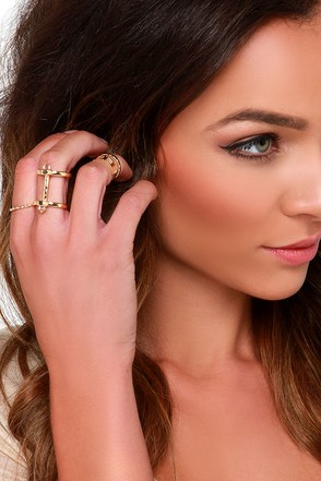 Round Patrol Gold Ring Set at Lulus.com!