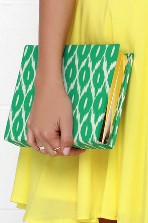 Ikat Ya Lata Blue Print Clutch at Lulus.com!