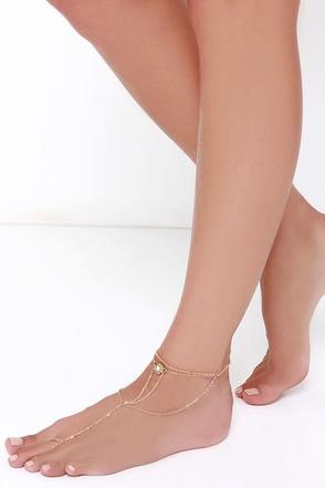 Catch the Caravan Gold Foot Bracelet at Lulus.com!