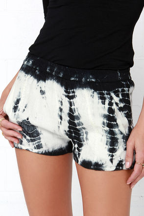 Raga Sun Chaser Black and Ivory Tie-Dye Shorts at Lulus.com!