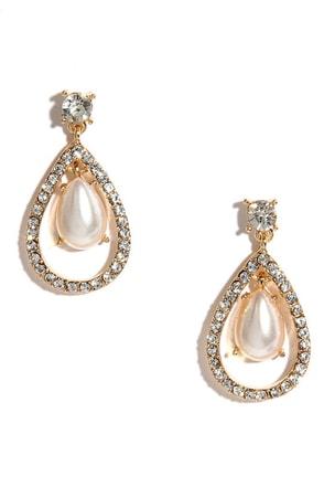 Duke of Pearls Gold Rhinestone Earrings at Lulus.com!