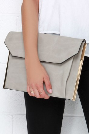 Stay in Touch Grey Envelope Clutch at Lulus.com!