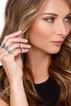 Montezuma Castle Silver and Turquoise Ring Set at Lulus.com!