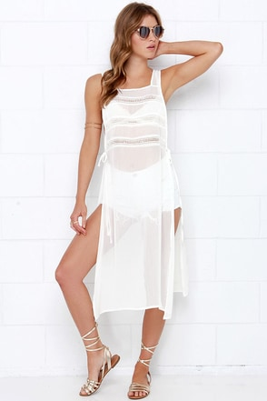 Dee Elle Wade and Wander Ivory Cover-Up at Lulus.com!