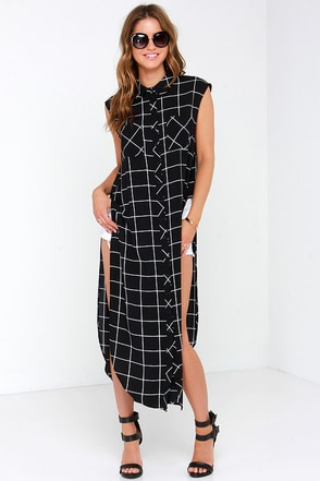 Glamorous Map it Out Black and Ivory Grid Print Maxi Top at Lulus.com!