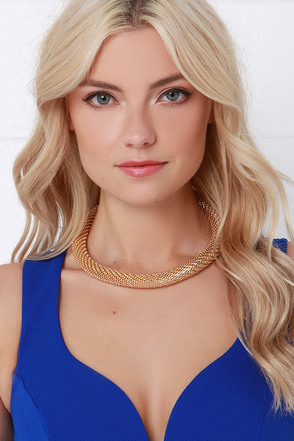Glissade Gold Collar Necklace at Lulus.com!