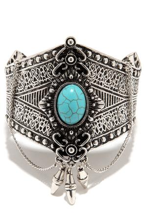 Desert Trek Turquoise and Silver Bracelet at Lulus.com!