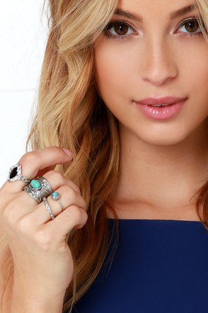 Mineral Queen Silver and Turquoise Ring Set at Lulus.com!